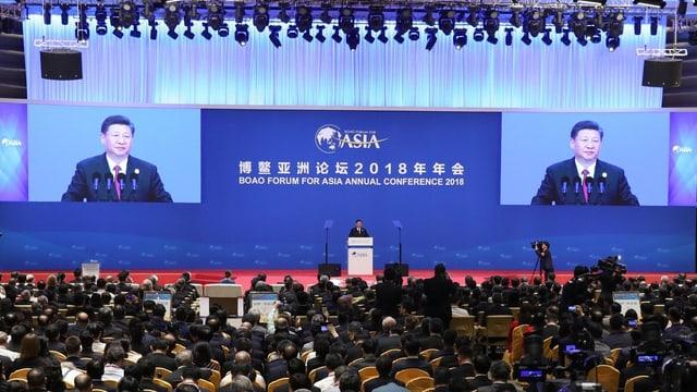 Xi bei seiner Rede an dem Forum.