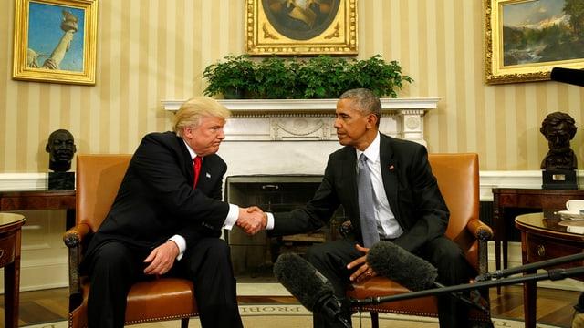 Obama dat il maun a Trump.
