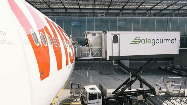 Gate Goumet beim Beladen eines Flugzeugs