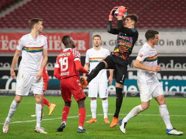 Stuttgart-Goalie Gregor Kobel.
