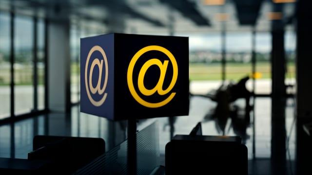 Symbolbild: Internet am Flughafen.