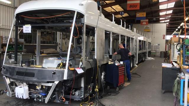 Ein elektrischer Bus wird gebaut.