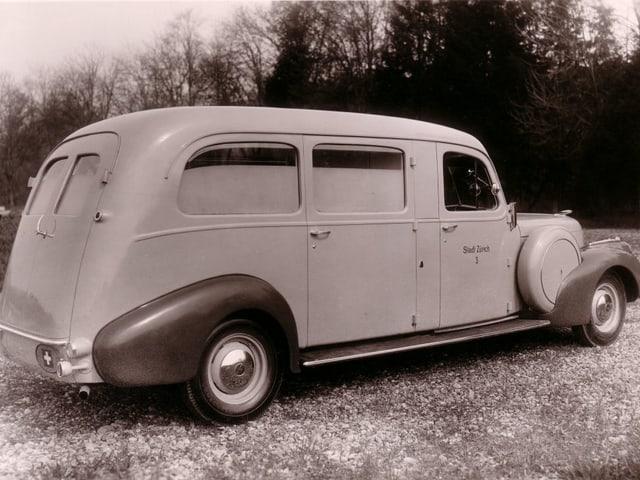 So sah ein Krankenwagen 1941 aus: Ein Cadillac.