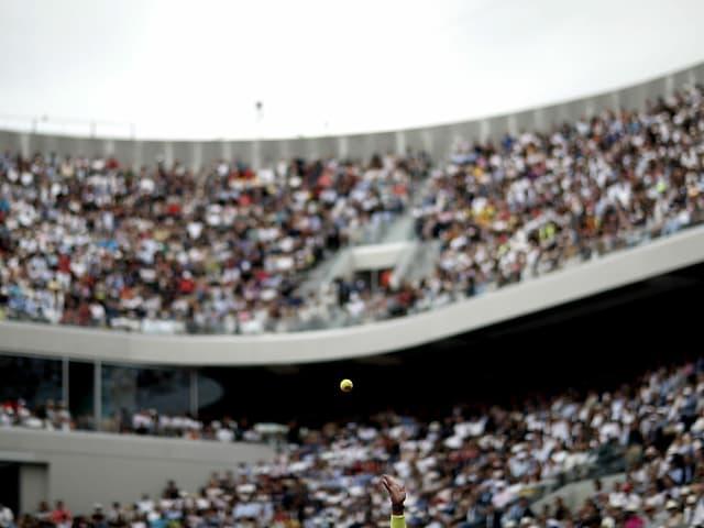 Der Court Philippe Chatrier hat eine Kapazität von rund 15'000 Zuschauer.