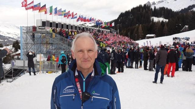 Peter Engler curt avant l'emprima cursa en l'arrivada a Parpan.