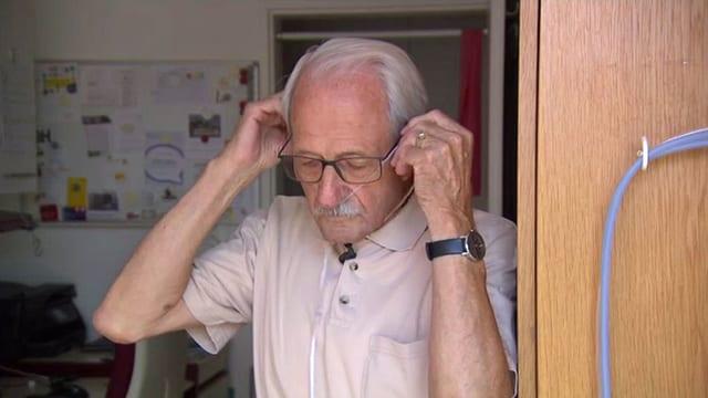 Constantin Siegenthaler am Beatmungsgerät