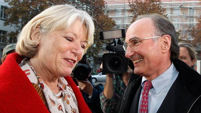 Sanester è da vesair Verena Diener, politicra da 65 onns da Turitg, dretg è Felix Gutzwiler, politicher.