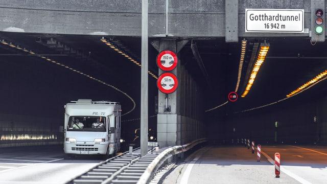 Einfahrt Gotthard Strassentunnel