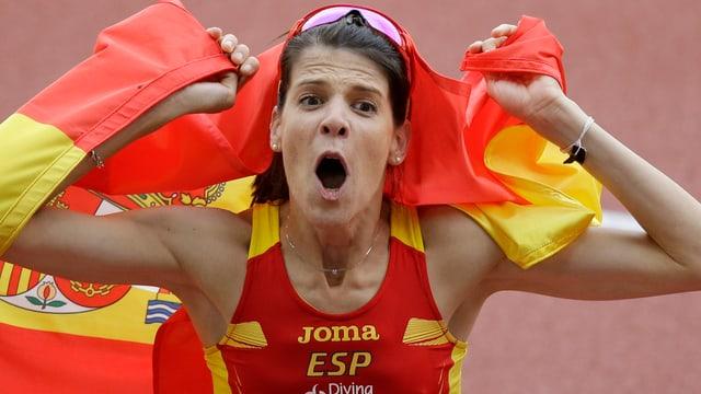 Ruth Beitia freut sich über die Goldmedaille im Hochsprung.