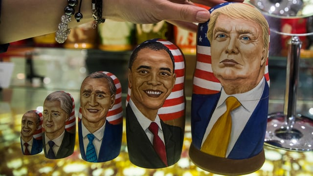 Matroschkas in einem Laden in Moskau zeigen Trump und vier seiner Vorgänger.