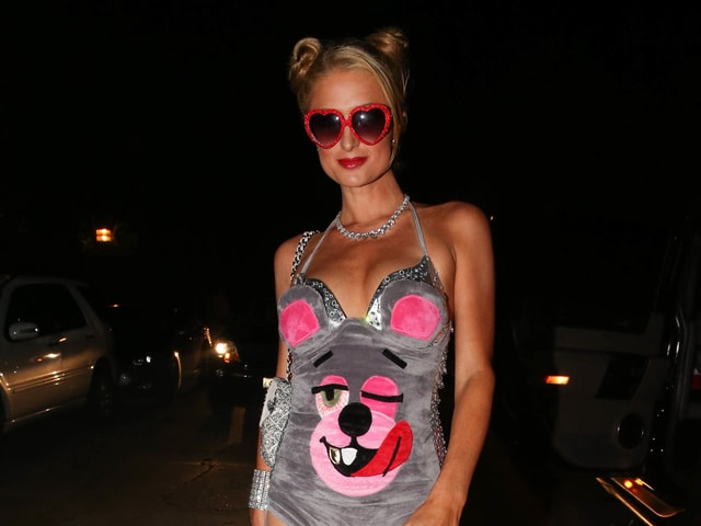 Paris Hilton im Badeanzug