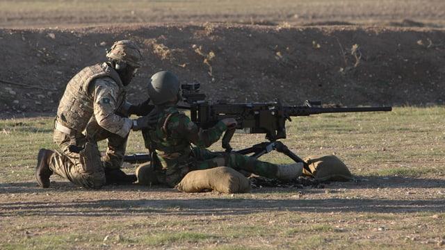 Ein britischer Militärausbilder bei den Peschmerga im Nordirak