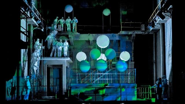 Ausschnitt aus dem Stück Big Bang Brunnen in der alten Zementfabrik.