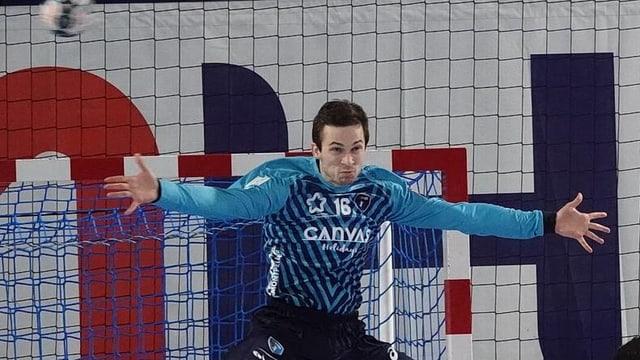 a07e0e399ac Überraschungen in Handball-CL - Schweizer Nati-Goalie stoppt das ...
