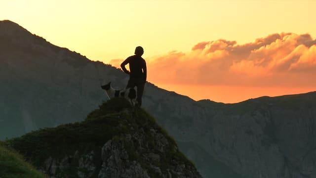 Video «Wir von da oben - Generationenwechsel auf der Alp» abspielen