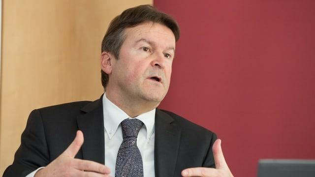 Andreas Waespi, Vorsitzender der Geschaeftsleitung, erlaeutert die Geschaeftszahlen 2013 der Bank Coop anlaesslich der Bilanzmedienkonferenz vom Donnerstag, 6. Februar 2014.