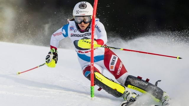 Wendy Holdener durant il slalom.