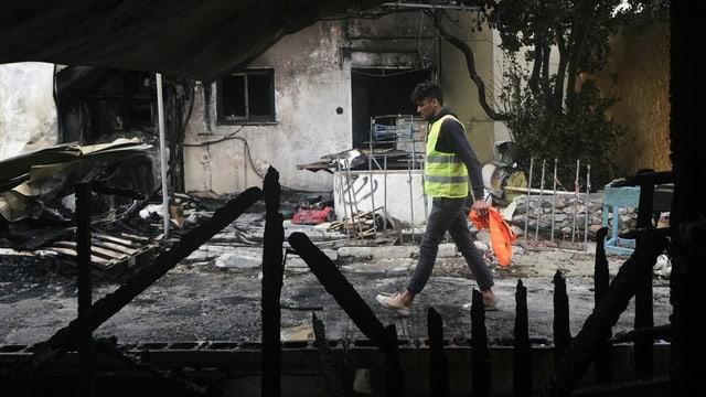Ein Auffanglager auf Lesbos wurde in Brand gesetzt.