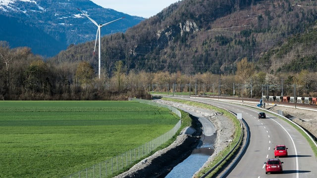 Autostrada tranter Cuira nord e Zezras