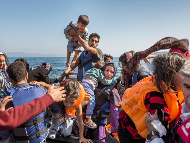 Flüchtlingsboot vor Lesbos