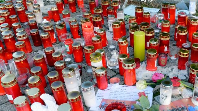 Kerzen und Briefe