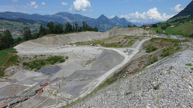 Blick auf die Abfalldeponie Ännerberg in Oberdorf OW