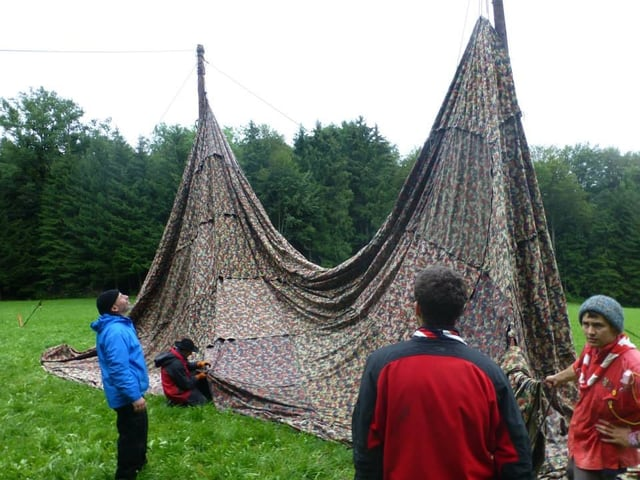 Zelt aus Militär-Blachen