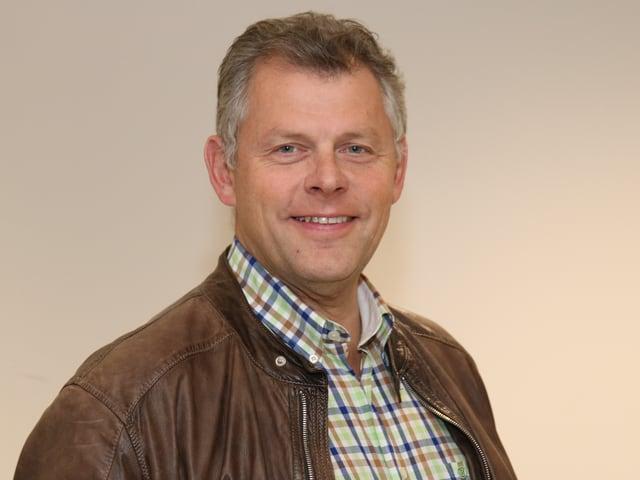 Andreas Kleeb mit kariertem Hemd und Lederjacke.