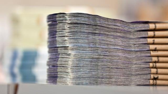 Geldnoten auf einem Bündel