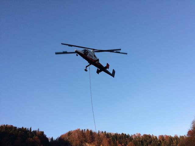 Morgens 8:00 Uhr hebt der Helikopter zum ersten Mal an diesem Tag ab.