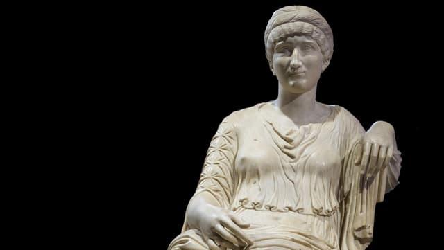 Eine Statue der Helena.