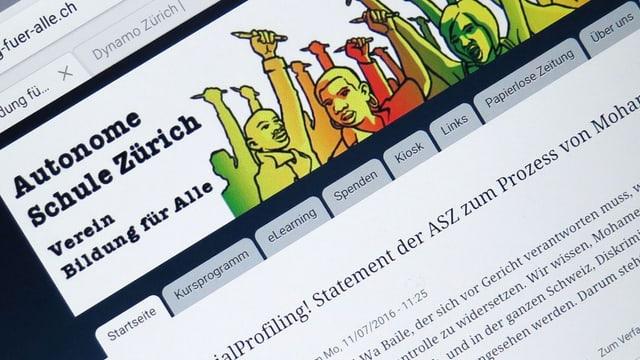 Der Screen eines Tablets, auf dem die Website www.bildung-fuer-alle.ch aufgerufen wurde