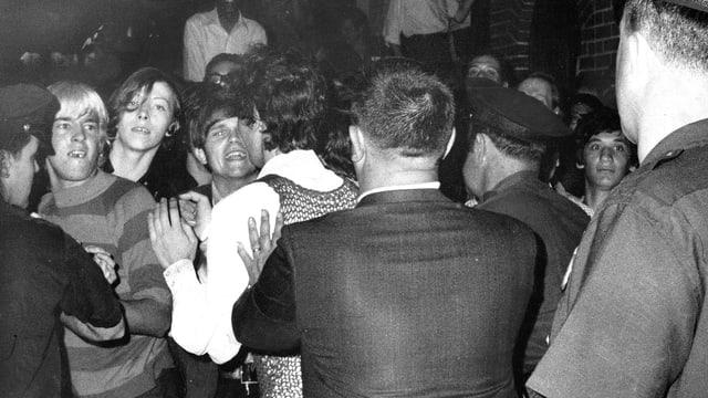 junge Männer auf der Christopher Street im Jahr 1969