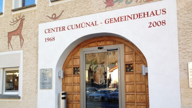 Purtret dal center communal a Zernez.