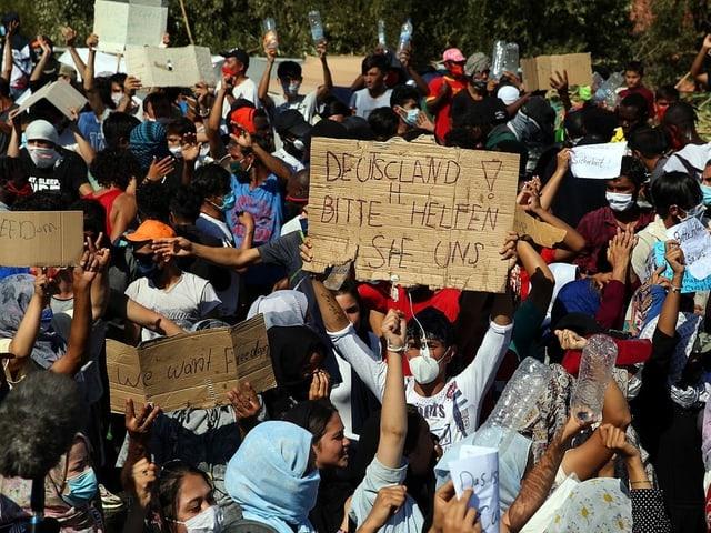 Demonstranten auf Moria.