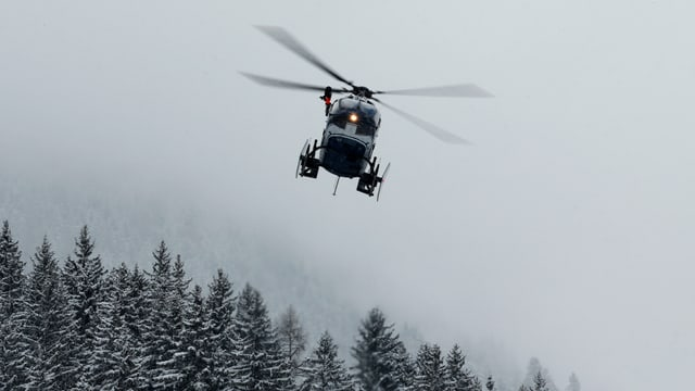 Purtret d'in helicopter da salvament.