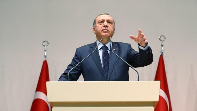 Ina fotografia dal president tirc Erdoğan.