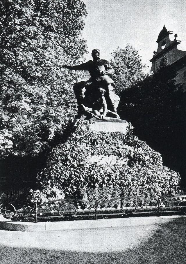 Monument da Benedetg Fontana a Cuira