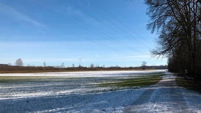 weite Ebene mit Schnee
