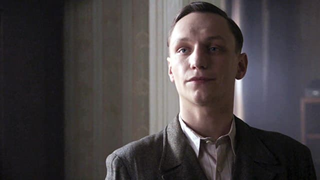 Filmszene: Tonny Ahlers (Daniel Michel) erpresst Otto Frank.