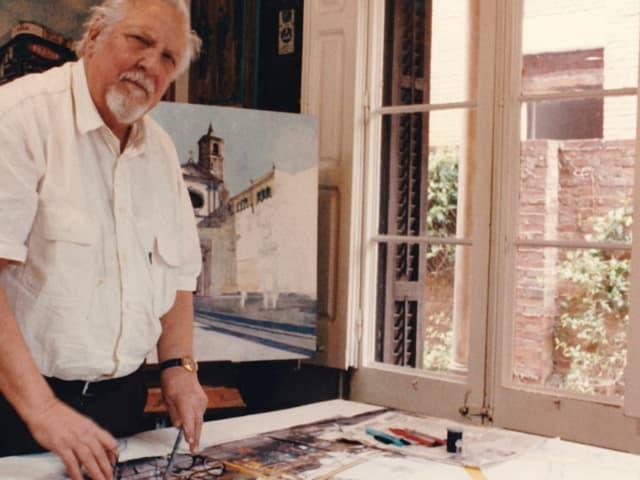 Rudolf Häsler im Atelier.