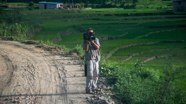 Filmar en il Nepal