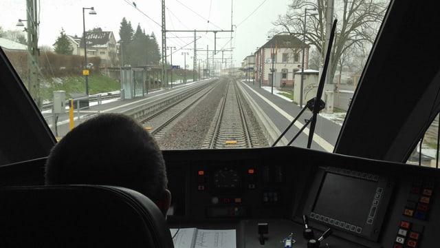 Blick aus dem Führerstand der neuen S-Bahn Schaffhausen