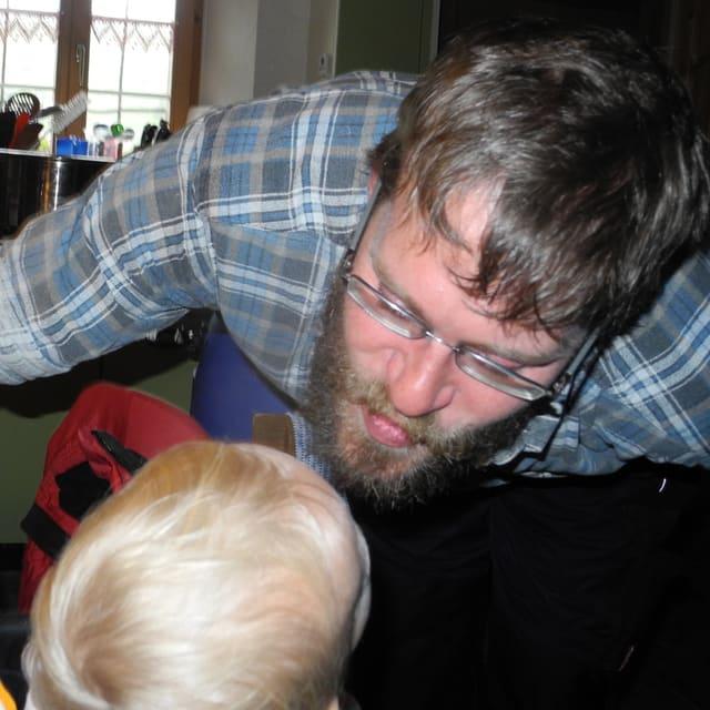 Ludwig küsst Tochter Julia