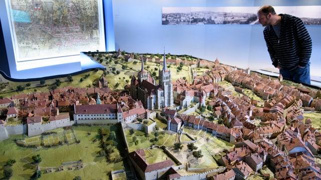 Eine 3D-Karte der Stadt Lausanne im historischen Museum Lausanne.