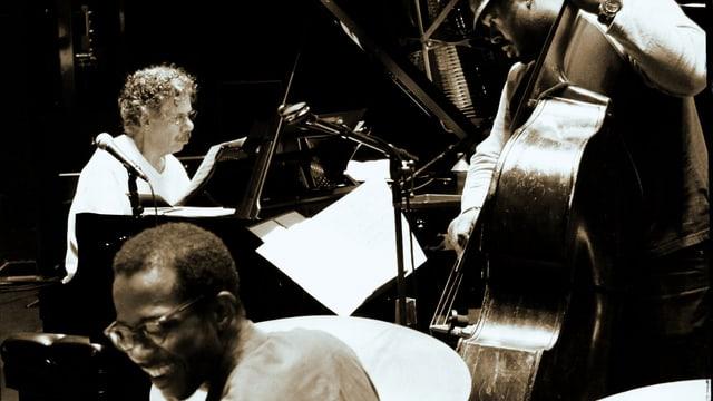 Chick Corea am Klavier, Brian Blade am Schlagzeug, Christian McBride am Bass.