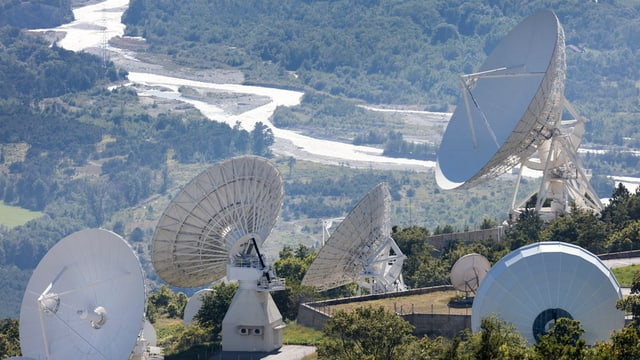 Antennas sin in bot dad in cuolm