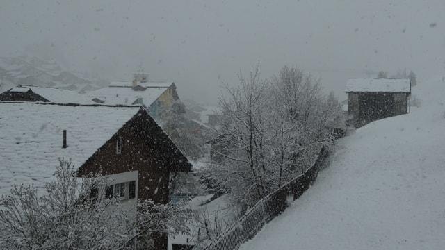 Verschneites Dorf Vals.