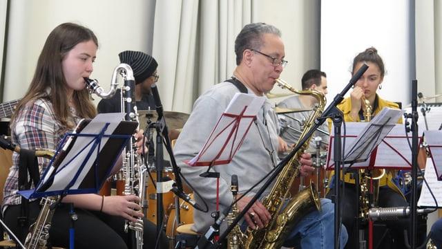 Musiker im Proberaum