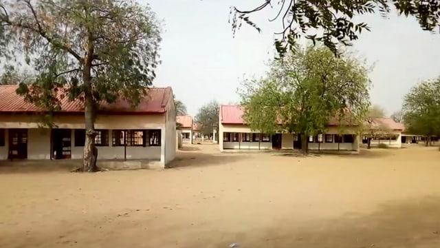 Totale auf Schulgebäude
